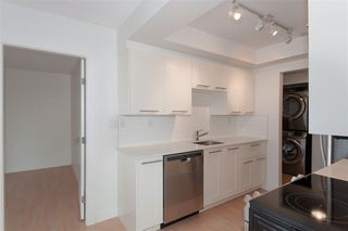 Photo 3: 302 2275 W 40TH Avenue in Vancouver: Kerrisdale Condo for sale (Vancouver West)  : MLS®# R2252384