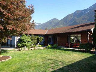 Photo 2: 65540 GORDON Drive in Hope: Hope Kawkawa Lake House for sale : MLS®# R2269442