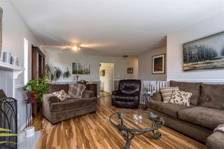 "Photo 3: 9220 214 Street in Langley: Walnut Grove House for sale in ""Walnut Grove"" : MLS®# R2303292"