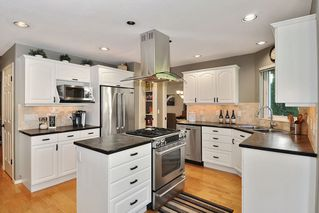 """Photo 7: 8438 214B Street in Langley: Walnut Grove House for sale in """"Forest Hills"""" : MLS®# R2317058"""