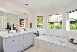 """Photo 14: 8438 214B Street in Langley: Walnut Grove House for sale in """"Forest Hills"""" : MLS®# R2317058"""