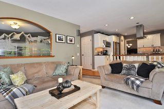 """Photo 10: 8438 214B Street in Langley: Walnut Grove House for sale in """"Forest Hills"""" : MLS®# R2317058"""