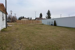 Main Photo: 207 Main Street in Elnora: RC Elnora Commercial for sale (Red Deer County)  : MLS®# CA0152229