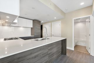 "Photo 6: 1102 6533 BUSWELL Street in Richmond: Brighouse Condo for sale in ""ELLE"" : MLS®# R2334022"