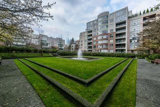 "Photo 19: 708 503 W 16TH Avenue in Vancouver: Fairview VW Condo for sale in ""PACIFICA"" (Vancouver West)  : MLS®# R2356509"