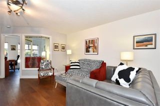 "Photo 2: 110 2181 W 12TH Avenue in Vancouver: Kitsilano Condo for sale in ""THE CARLINGS"" (Vancouver West)  : MLS®# R2359551"