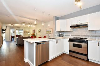 "Photo 9: 110 2181 W 12TH Avenue in Vancouver: Kitsilano Condo for sale in ""THE CARLINGS"" (Vancouver West)  : MLS®# R2359551"