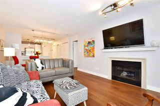 "Photo 3: 110 2181 W 12TH Avenue in Vancouver: Kitsilano Condo for sale in ""THE CARLINGS"" (Vancouver West)  : MLS®# R2359551"