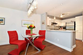 "Photo 5: 110 2181 W 12TH Avenue in Vancouver: Kitsilano Condo for sale in ""THE CARLINGS"" (Vancouver West)  : MLS®# R2359551"
