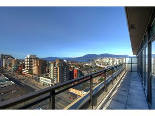"Photo 19: 1602 1068 W BROADWAY in Vancouver: Fairview VW Condo for sale in ""THE ZONE"" (Vancouver West)  : MLS®# R2361747"