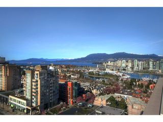 "Photo 17: 1602 1068 W BROADWAY in Vancouver: Fairview VW Condo for sale in ""THE ZONE"" (Vancouver West)  : MLS®# R2361747"