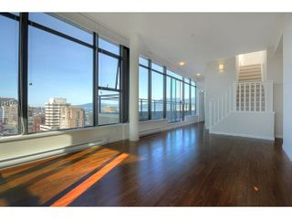 "Photo 10: 1602 1068 W BROADWAY in Vancouver: Fairview VW Condo for sale in ""THE ZONE"" (Vancouver West)  : MLS®# R2361747"