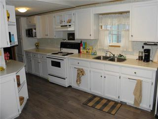 Photo 2: 34 Vernon Keats Drive in St Clements: Pineridge Trailer Park Residential for sale (R02)  : MLS®# 1912649
