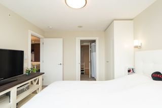 Photo 8: 2105 570 EMERSON Street in Coquitlam: Coquitlam West Condo for sale : MLS®# R2374482