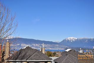 Photo 4: 3486 West 18th Avenue in Vancouver: Dunbar Home for sale ()  : MLS®# V872717