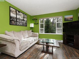 Photo 3: 203 799 Blackberry Rd in VICTORIA: SE High Quadra Condo for sale (Saanich East)  : MLS®# 816789
