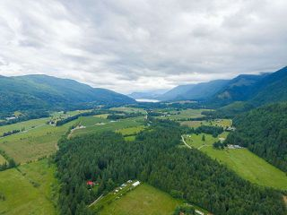 Photo 19: 41521 HENDERSON Road: Columbia Valley House for sale (Cultus Lake)  : MLS®# R2383034