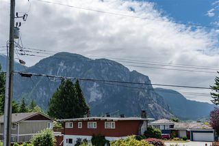 Photo 12: 1719 VISTA Crescent in Squamish: Hospital Hill House for sale : MLS®# R2386040