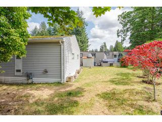"Photo 19: 79 24330 FRASER Highway in Langley: Otter District Manufactured Home for sale in ""Langley Grove Estates"" : MLS®# R2390843"