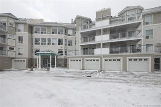 Main Photo: 401 6118 53 Avenue in Red Deer: RR Highland Green Estates Residential Condo for sale : MLS®# CA0181311