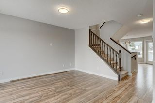 Photo 5: 102 HIDDEN RANCH Road NW in Calgary: Hidden Valley Detached for sale : MLS®# C4294129
