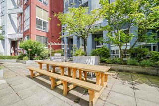 """Photo 24: 316 933 SEYMOUR Street in Vancouver: Downtown VW Condo for sale in """"THE SPOT"""" (Vancouver West)  : MLS®# R2475342"""