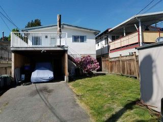 Photo 11: 488 E 49TH Avenue in Vancouver: South Vancouver House for sale (Vancouver East)  : MLS®# R2492511