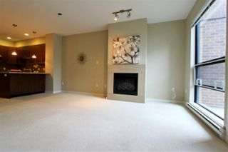 """Photo 4: 16 1863 WESBROOK Mall in Vancouver: University VW Townhouse for sale in """"ESSE"""" (Vancouver West)  : MLS®# R2497405"""