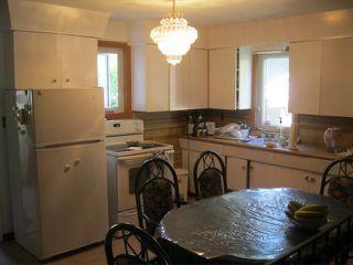 Photo 3: 516 ST ANNE'S Road in WINNIPEG: St Vital Residential for sale (South East Winnipeg)  : MLS®# 1111188