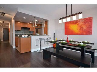 "Photo 2: 2002 583 BEACH Crescent in Vancouver: Yaletown Condo for sale in ""PARKWEST II"" (Vancouver West)  : MLS®# V928427"