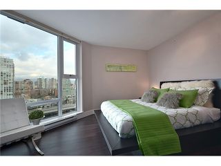 "Photo 4: 2002 583 BEACH Crescent in Vancouver: Yaletown Condo for sale in ""PARKWEST II"" (Vancouver West)  : MLS®# V928427"