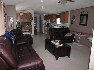 Photo 2: 137, 810 56 Street in Edson, AB: Edson Mobile for sale : MLS®# 28428