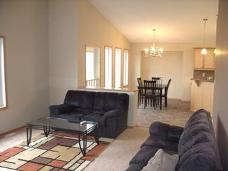 Photo 8: 211 Southview Crescent in Winnipeg: Single Family Detached for sale : MLS®# 1221317