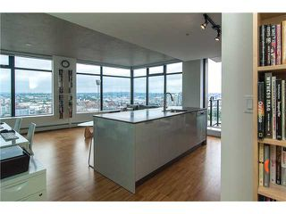 Photo 3: 2304 108 West Cordova Street in Vancouver: Condo for sale : MLS®# 963763