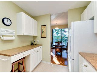 "Photo 3: 305 1725 MARTIN Drive in Surrey: Sunnyside Park Surrey Condo for sale in ""SOUTHWYND"" (South Surrey White Rock)  : MLS®# F1427868"