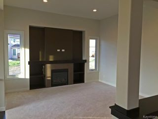 Photo 3: 11 GREENSTONE Bay in Winnipeg: Residential for sale : MLS®# 1500824