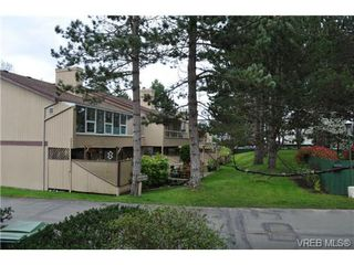 Photo 2: 15 2020 White Birch Rd in SIDNEY: Si Sidney North-East Row/Townhouse for sale (Sidney)  : MLS®# 696655
