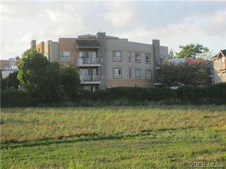 Photo 2: 102 7843 East Saanich Rd in SAANICHTON: CS Saanichton Condo for sale (Central Saanich)  : MLS®# 700398