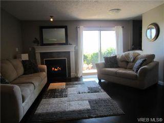 Photo 4: 102 7843 East Saanich Rd in SAANICHTON: CS Saanichton Condo for sale (Central Saanich)  : MLS®# 700398