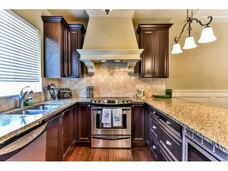 """Photo 8: 21 3268 156A Street in Surrey: Morgan Creek Townhouse for sale in """"Gateway"""" (South Surrey White Rock)  : MLS®# F1448012"""