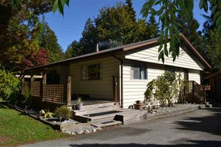 Main Photo: 5628 WAKEFIELD Road in Sechelt: Sechelt District House for sale (Sunshine Coast)  : MLS®# R2001831