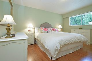 "Photo 12: 914 RUNNYMEDE Avenue in Coquitlam: Coquitlam West House for sale in ""COQUITLAM WEST"" : MLS®# R2032376"