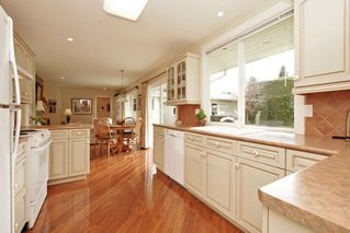 "Photo 7: 914 RUNNYMEDE Avenue in Coquitlam: Coquitlam West House for sale in ""COQUITLAM WEST"" : MLS®# R2032376"