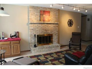 Photo 3: 63 Addington Bay in WINNIPEG: Charleswood Residential for sale (South Winnipeg)  : MLS®# 1603948