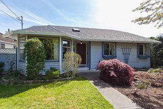"Photo 2: 1980 140 Street in Surrey: Sunnyside Park Surrey House for sale in ""OCEAN BLUFF"" (South Surrey White Rock)  : MLS®# R2058362"