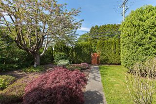 "Photo 10: 1980 140 Street in Surrey: Sunnyside Park Surrey House for sale in ""OCEAN BLUFF"" (South Surrey White Rock)  : MLS®# R2058362"