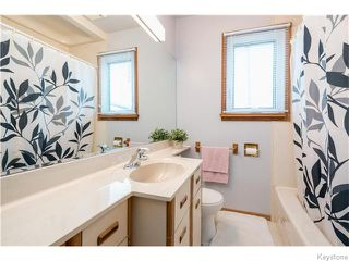 Photo 5: 1129 Lansdowne Avenue in Winnipeg: West Kildonan / Garden City Residential for sale (North West Winnipeg)  : MLS®# 1611965