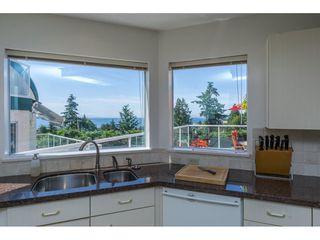 Photo 10: 15659 PACIFIC Avenue: White Rock House for sale (South Surrey White Rock)  : MLS®# R2073611
