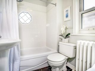 Photo 4: 154 Parkhurst Boulevard in Toronto: Leaside House (2-Storey) for sale (Toronto C11)  : MLS®# C3543427
