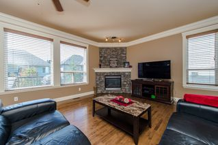 "Photo 7: 3373 273 Street in Langley: Aldergrove Langley House for sale in ""Stonebridge Estates"" : MLS®# R2098529"